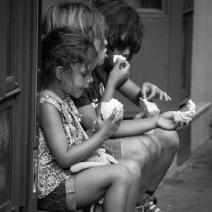 Enfants adolescents gourmandise goûter
